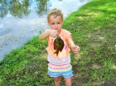 My 6yr old daughter Elizabeth with a nice Perch caught on the July 4th weekend in Plantersville, Tx. She loves to fish
